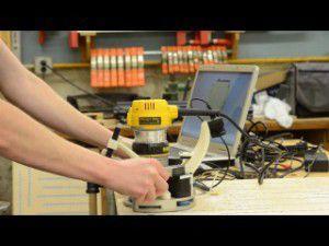 Ручной фрезер с числовым программным устройством