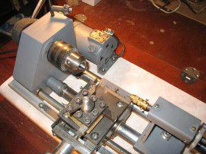 мини-станок для токарной обработки металлических деталей